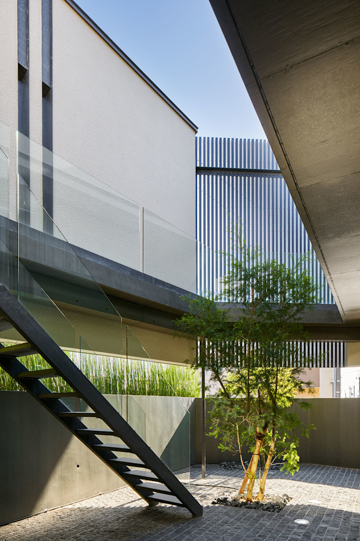 Takeru Shoji Architects.Co.,Ltd Jardines de estilo moderno