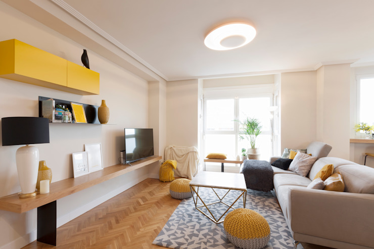 Interioristas Dimeic, diseñadores y decoradores en Madrid Modern living room Yellow