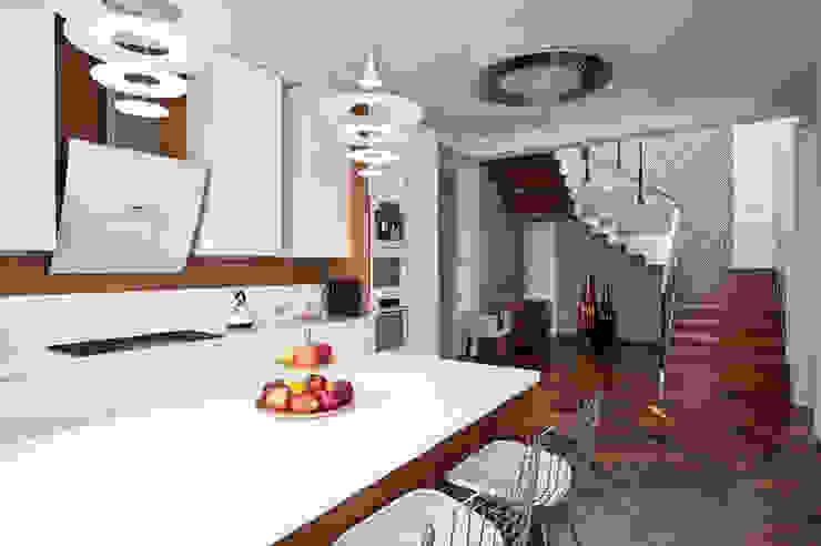 Интерьер загородного дома в коттеджном поселке Крекшино от Студия дизайна VOLKOVA INTERIORS
