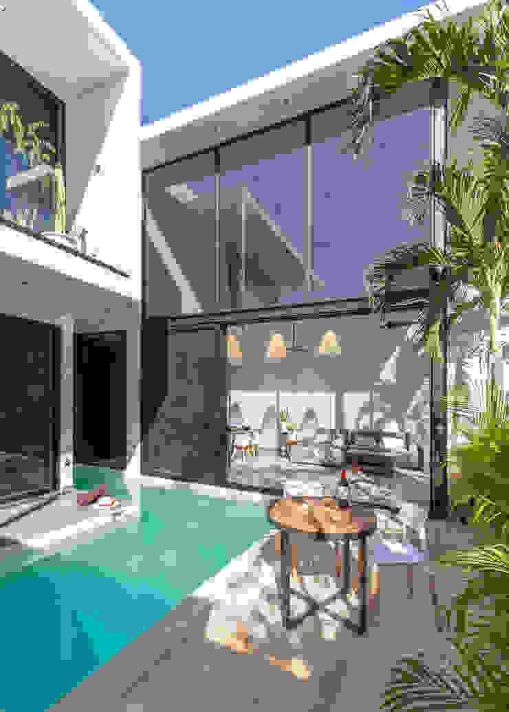 CRISTAL HOUSES de CO-TA ARQUITECTURA Moderno Vidrio
