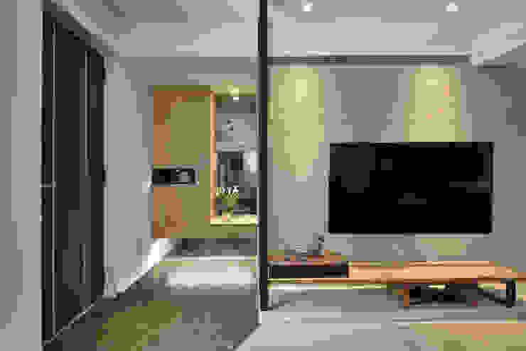 臨沂街-輕工業風 星葉室內裝修有限公司 工業風的玄關、走廊與階梯
