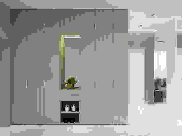 Modern Apartment Design Minimalist corridor, hallway & stairs by Vinterior - дизайн интерьера Minimalist