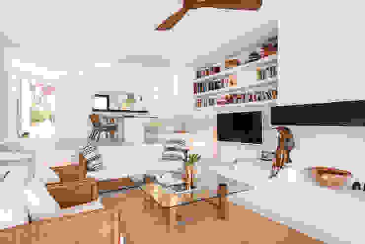 Mediterranean style living room by Estatiba construcción, decoración y reformas en Ibiza y Valencia Mediterranean