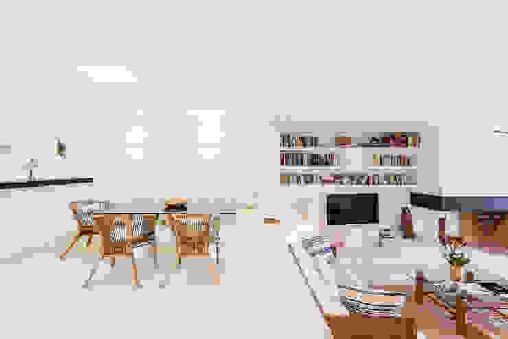 Mediterranean style dining room by Estatiba construcción, decoración y reformas en Ibiza y Valencia Mediterranean