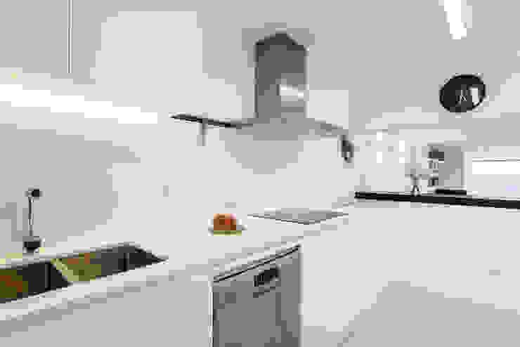 Mediterranean style kitchen by Estatiba construcción, decoración y reformas en Ibiza y Valencia Mediterranean