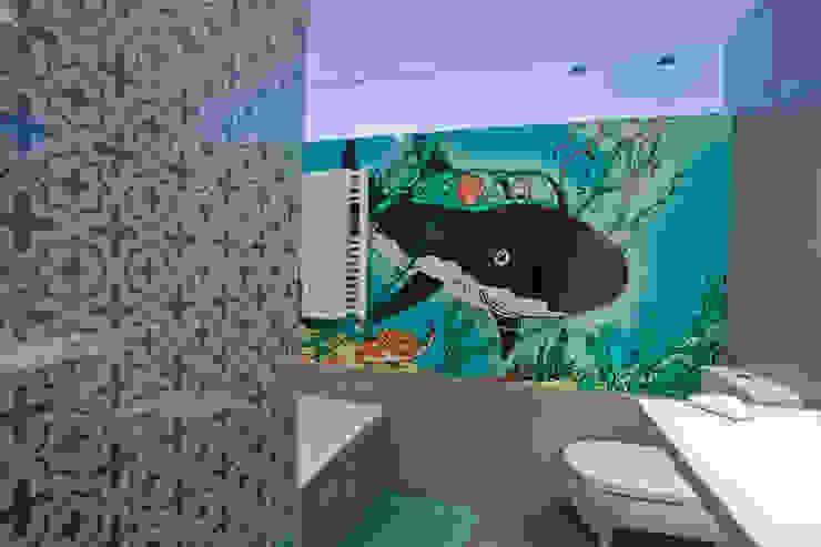 Baño niños Remodelación Duplex Baños de estilo moderno de INFINISKI Moderno