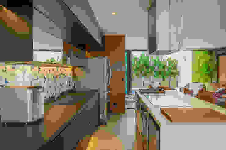 Cobertura - Apartamento Duplex Cozinhas modernas por Skaine Photo Moderno