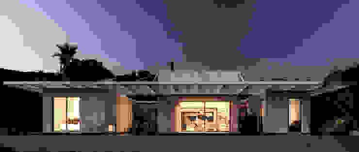 Vivienda Eco Tarifa: Casas de estilo  por INFINISKI,