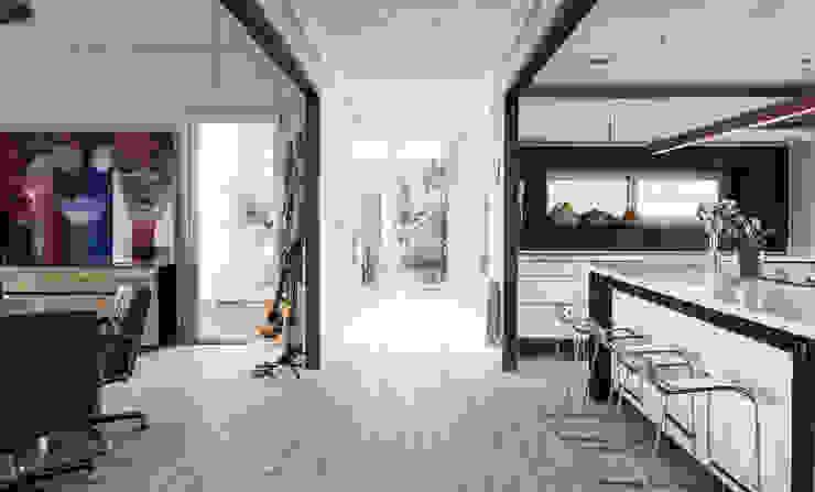 Vivienda Eco Tarifa: Pasillos y hall de entrada de estilo  por INFINISKI,