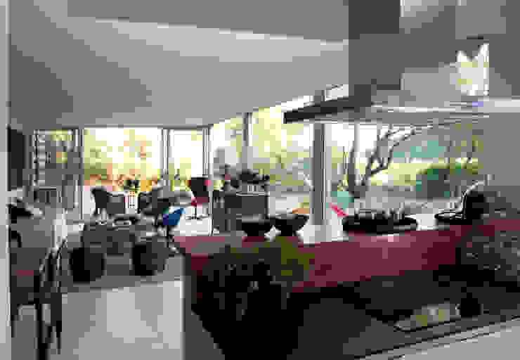 Cocina Cocinas de estilo moderno de INFINISKI Moderno