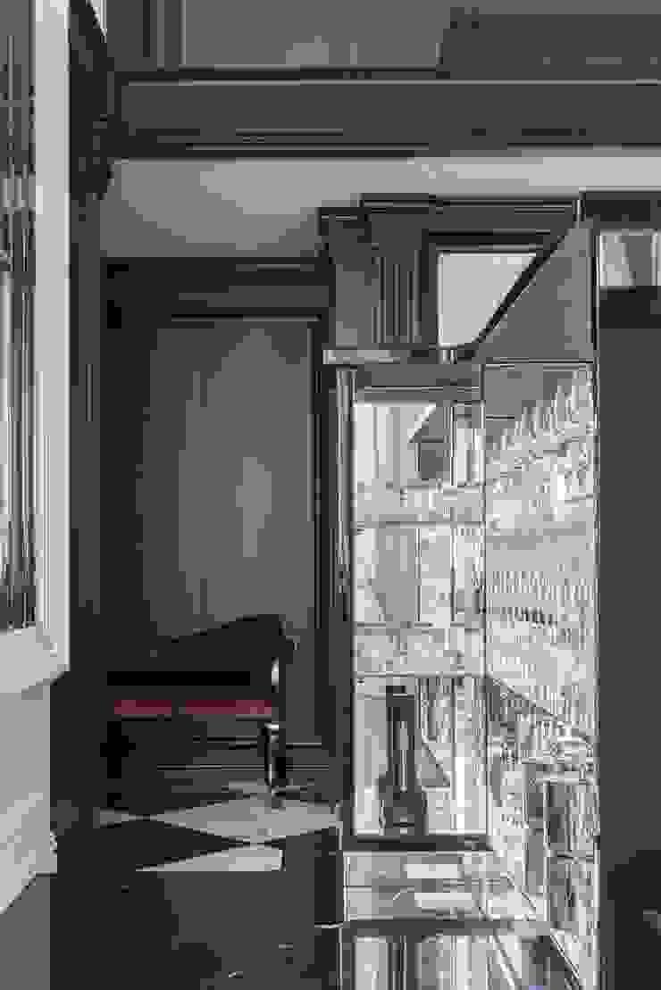 LUMI Pasillos, vestíbulos y escaleras de estilo clásico
