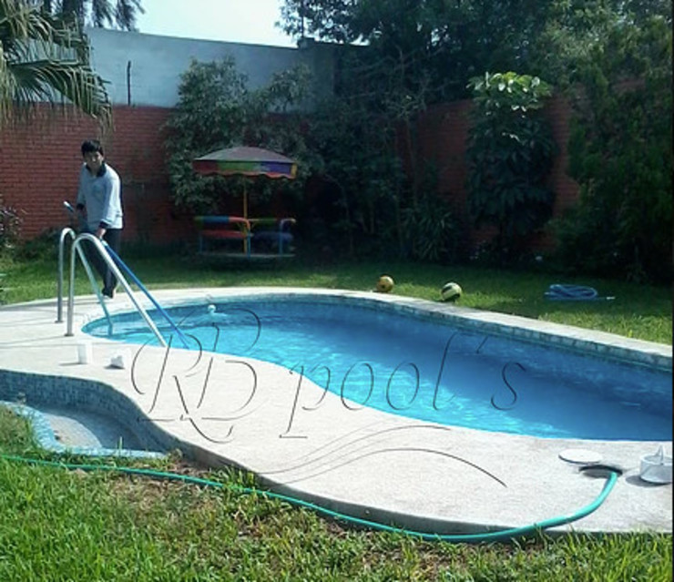 Limpieza de Piscina de RB Pools