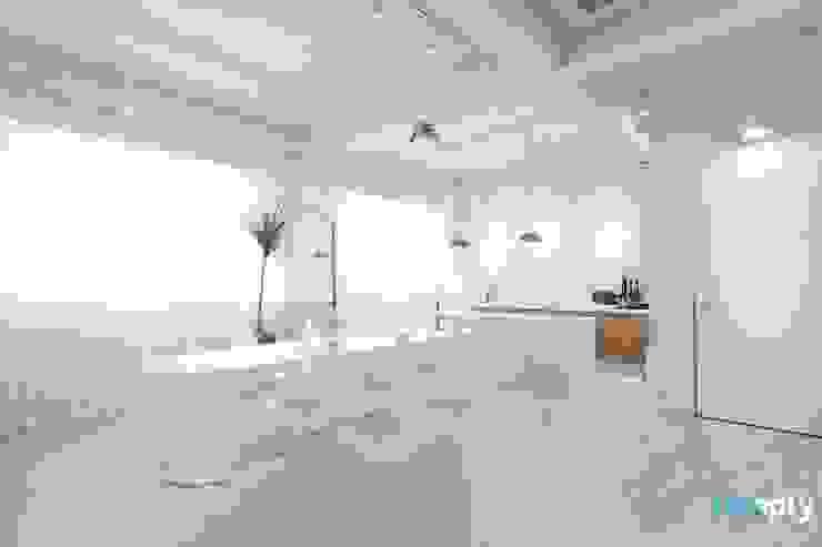 Ruang Makan oleh 디자인투플라이, Modern