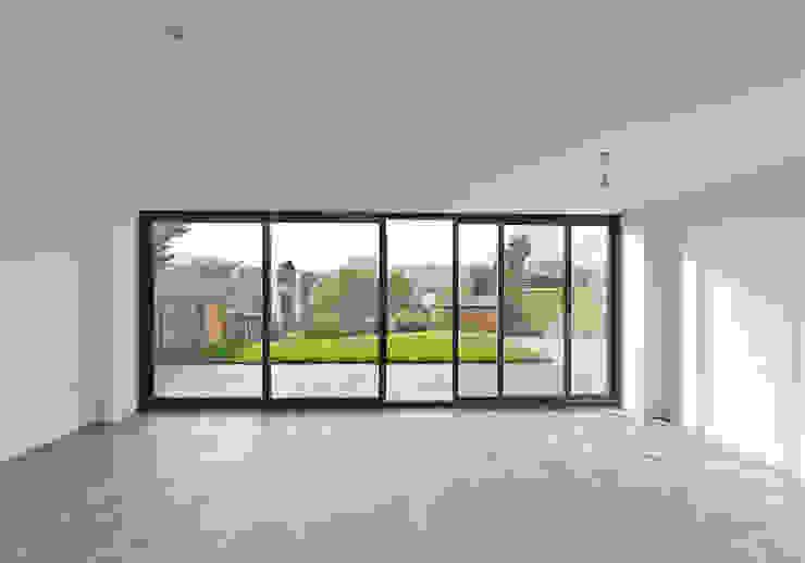 New Build Canal Side Home in Berkhampstead Ruang Keluarga Modern Oleh Designcubed Modern