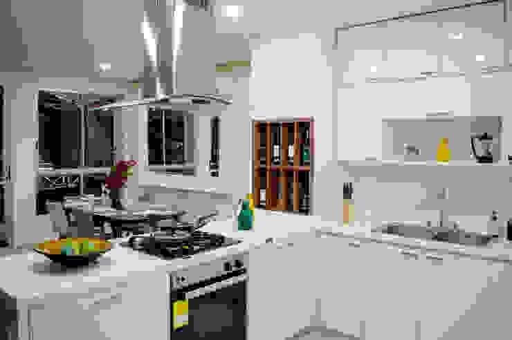 ALEXANDRIA TOWER Cocinas modernas de Constructora Cosenza Moderno Mármol