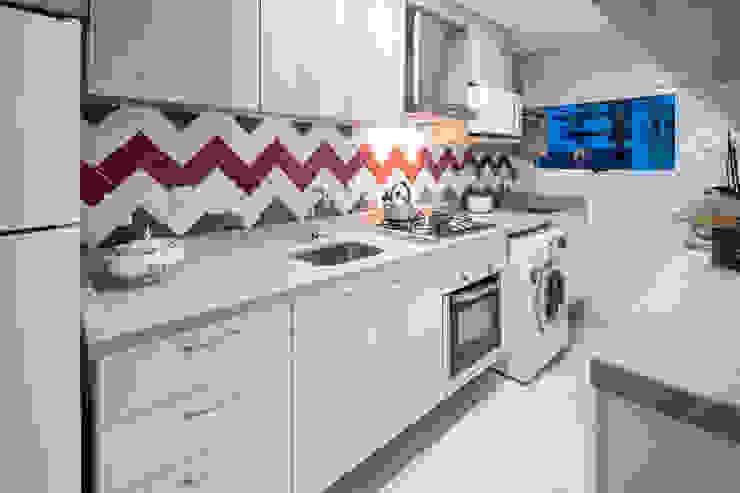 Cocinas pequeñas de estilo  por Paula De Zorzi | Design + Interiores,