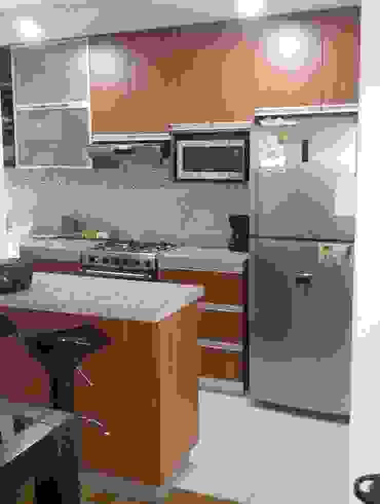 Modern kitchen by Decor Perú Modern