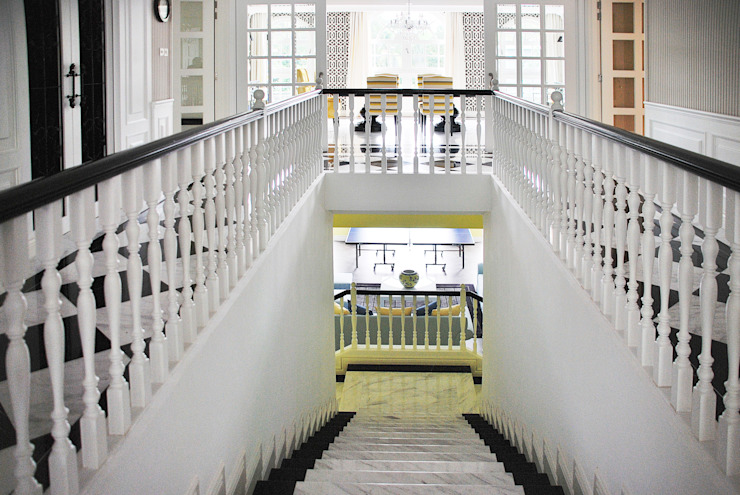 Colonial Stairway by Design Intervention Colonial