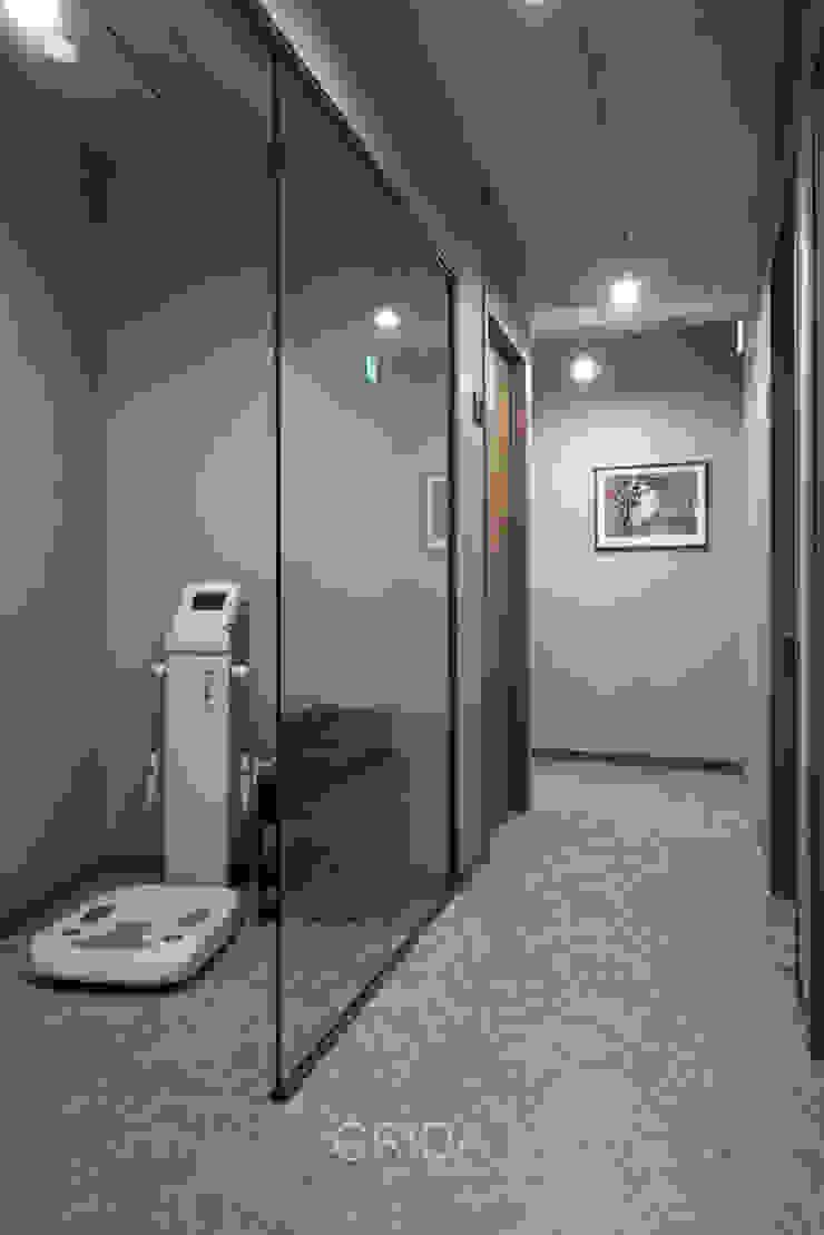 서울 성동구 금호동 '밝은달 한의원' 모던스타일 피트니스 룸 by 그리다아이디 모던