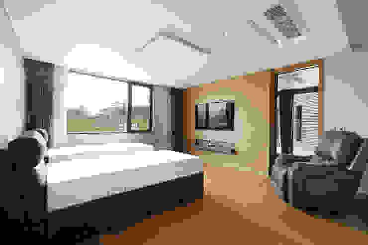 삼마당 집 모던스타일 침실 by 명작건축사사무소 모던