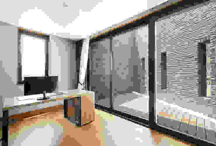 삼마당 집 모던스타일 서재 / 사무실 by 명작건축사사무소 모던