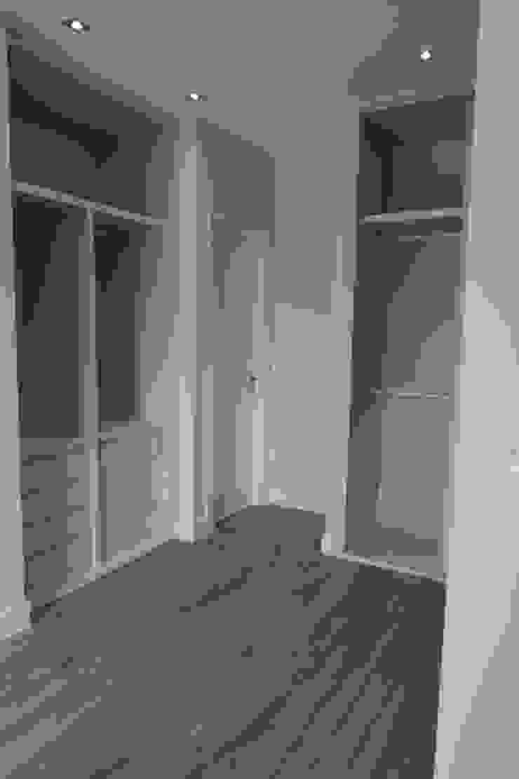 Reformadisimo Closets de estilo moderno