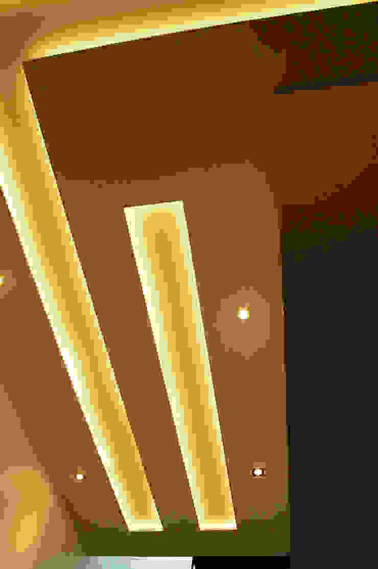Modern corridor, hallway & stairs by FrAncisco SilvÁn - Arquitectura de Interior Modern
