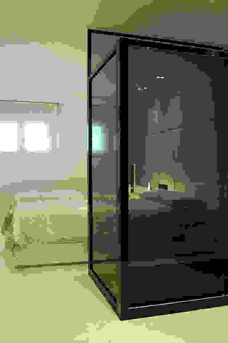Modern style bedroom by FrAncisco SilvÁn - Arquitectura de Interior Modern