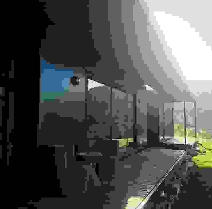 Terraza vivienda Eco Chamisero Balcones y terrazas modernos de INFINISKI Moderno