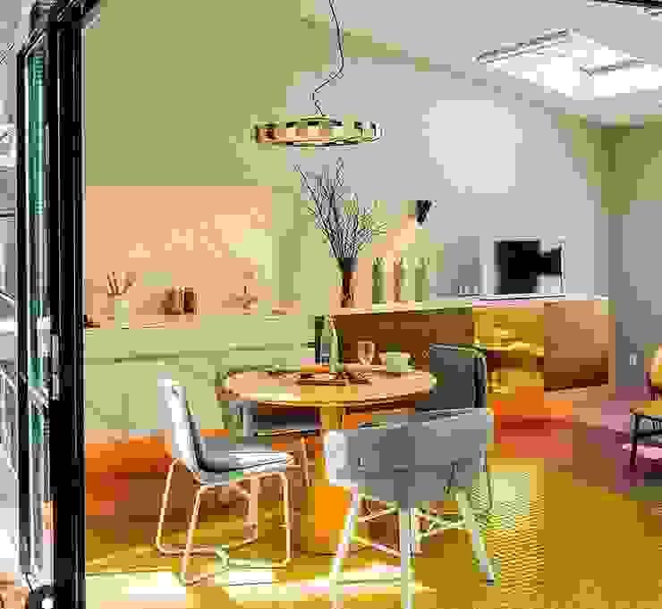 Casas ecológicas de estilo  de INFINISKI, Moderno