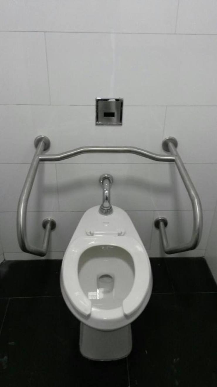 Barra tipo H personas discapacitas - Sanitarios y Accesorios Baños de estilo moderno de End International Moderno Hierro/Acero