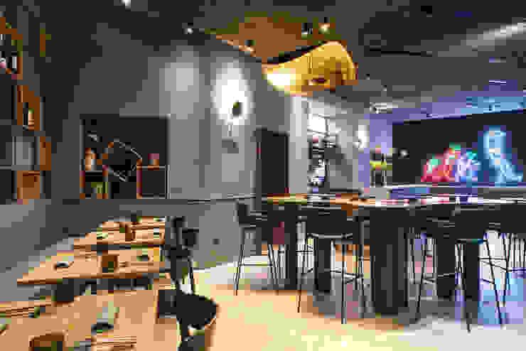 Espaços gastronômicos modernos por Grippo + Murzi Architetti Moderno