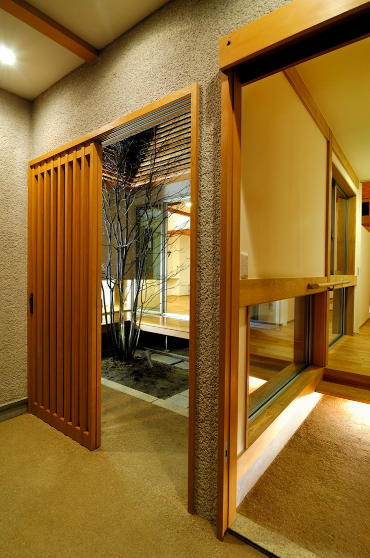 راهرو سبک آسیایی، راهرو و پله ها توسط 空間工房株式会社 آسیایی