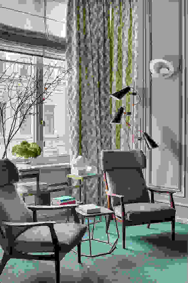 Office with modern mid-century furniture and lighting Skandinavische Wohnzimmer von DelightFULL Skandinavisch Kupfer/Bronze/Messing