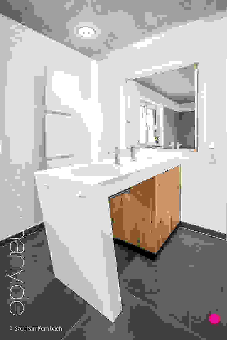 modern  by Pfeiffer GmbH & Co. KG, Modern