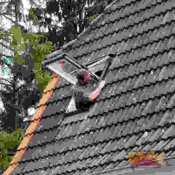 Dachfenster Einbau in Bielefeld von Dachdeckermeisterbetrieb Dirk Lange | Büro Herford Klassisch