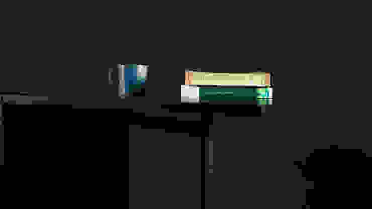 โต๊ะทำงานนีตช่า (Nietzsche Table) : ทันสมัย  โดย THUS FURNITURE, โมเดิร์น ไม้จริง Multicolored