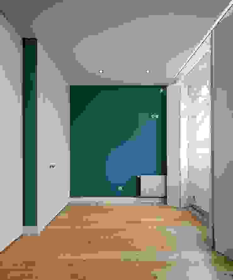 Modern style bedroom by Reparaciones Omar Garcia Modern