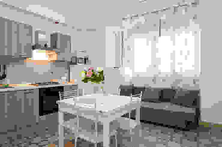 Danilo Arigo ห้องครัวโต๊ะและเก้าอี้