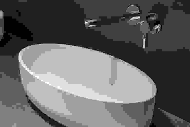 Rozenburglaan Moderne badkamers van Studio Mariska Jagt Modern