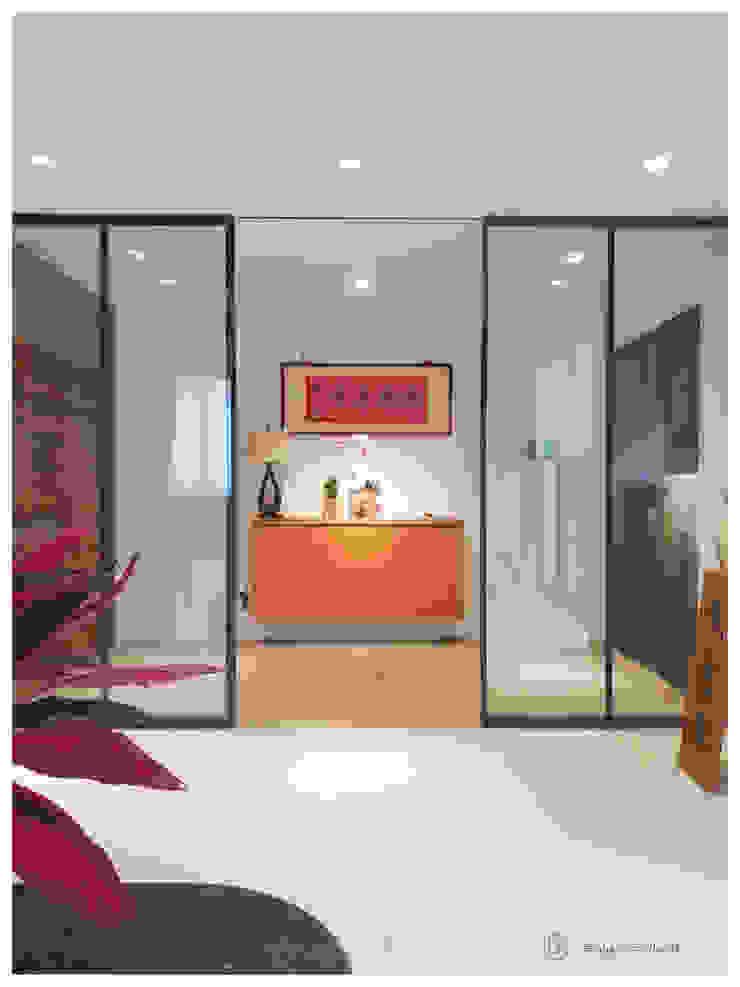 老屋翻新-住宅空間。台北【木柵-C宅】 現代風玄關、走廊與階梯 根據 有關創意室內設計 現代風 磁磚