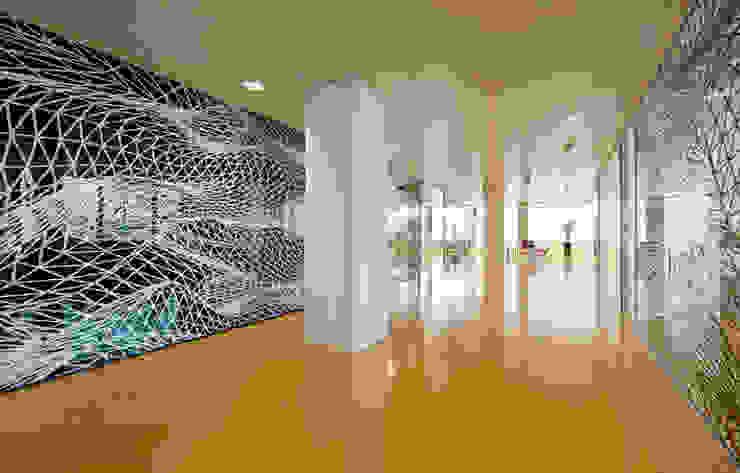 Artigo S.p.a. Modern office buildings Rubber Yellow