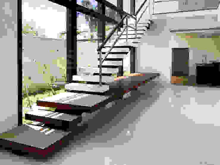 Luz Natural PGM Arquitetura e Contrução Escadas