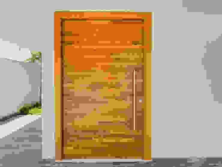 PGM Arquitetura e Contrução Modern style doors