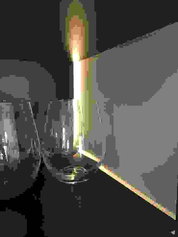 Remodelación Casa J&M - Vitrina & Licorera de MMAD studio - arquitectura interiorismo & mobiliario - Moderno Metal