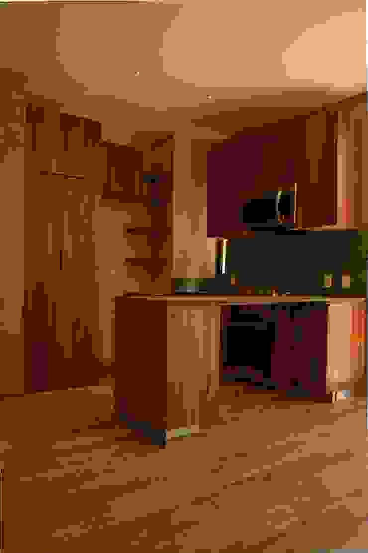 Cocina Cocinas modernas: Ideas, imágenes y decoración de MOKALI Carpintería Residencial Moderno Madera Acabado en madera