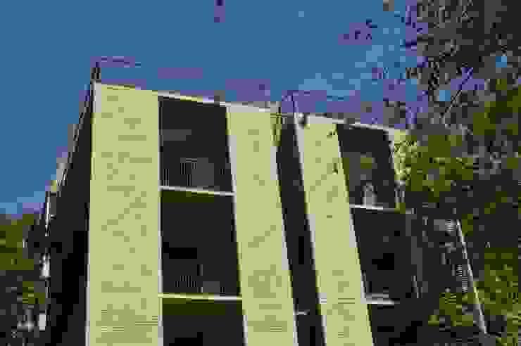 MOKALI Carpintería Residencial Terrace house Concrete