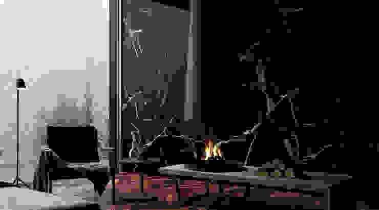 Holy - Settled Collection por Shelter ® Fireplace Design Moderno
