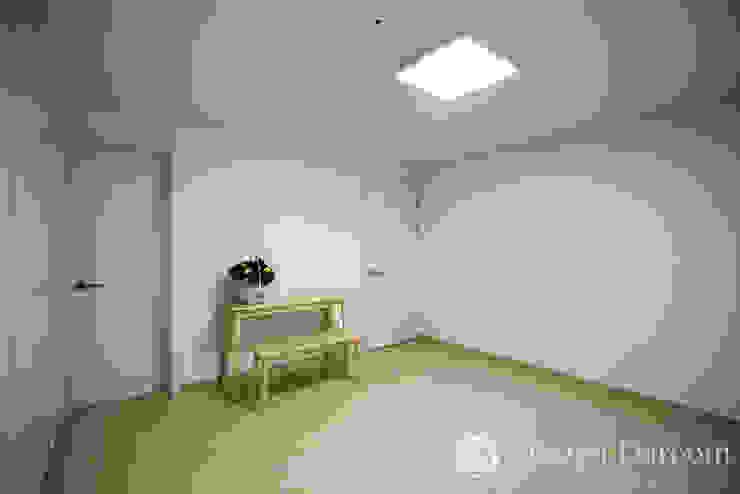 인창동 래미안 33py 안방 모던스타일 침실 by Design Daroom 디자인다룸 모던