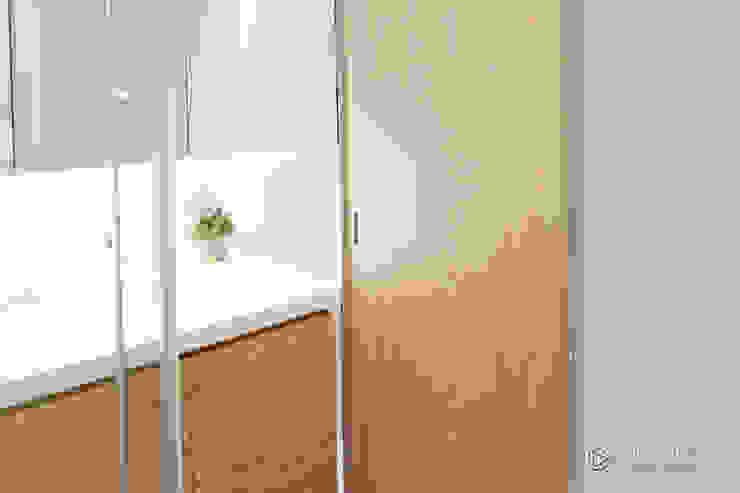 老屋翻新-住宅空間。台中【輕量機能宅】 有關創意室內設計 現代浴室設計點子、靈感&圖片
